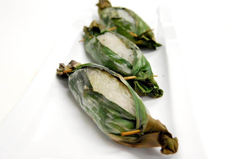 カーオニアオ・ピン(タロイモあんともち米の焼き菓子)