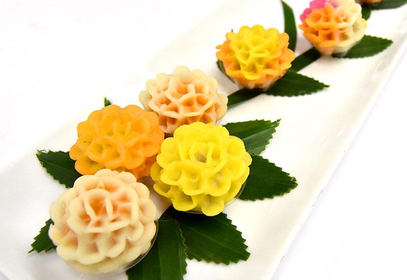 カノム・パガー・クロン(ランタナ花のお菓子)