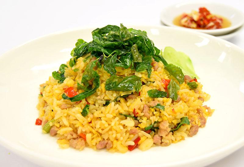 カーオ・クルアッブ・カイ・ガパオ:ムーサップ(豚挽肉のガパオ卵飯)