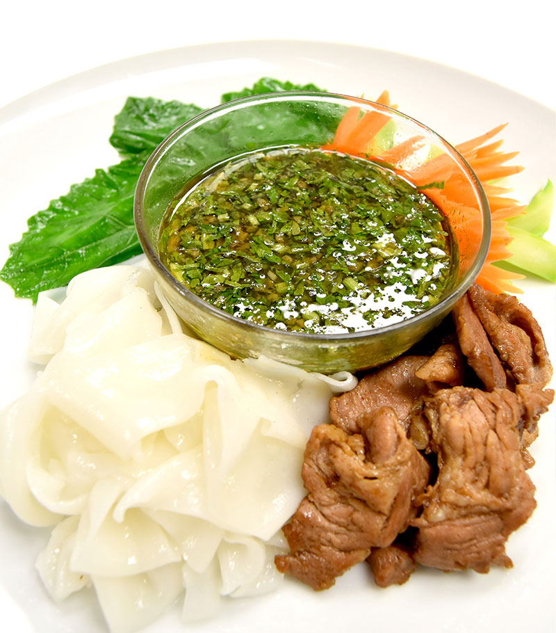 クアイティアオ・チム(太麺クアイティアオのつけ麺)