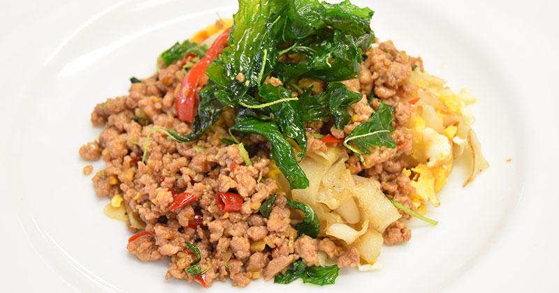 クアイティアオ・クア・ガパオグロープ(ガパオ炒めの混ぜ麺)