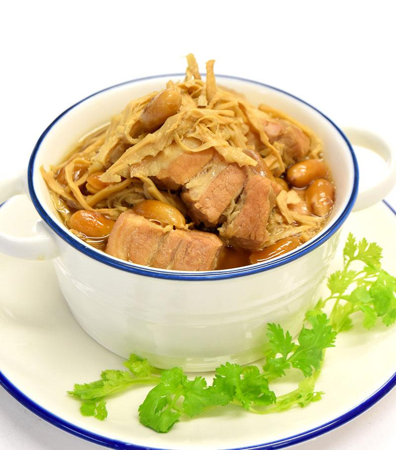 ゲーン・ムーホン(豚肉と干しタケノコのスパイス煮込み)