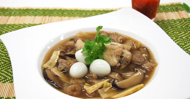 グラポッ・プラー(魚の浮袋の煮込みスープ)