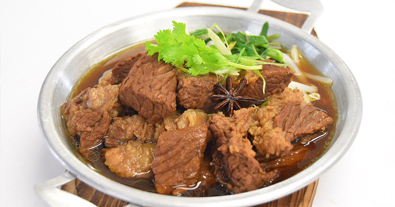 ガオラオ・ヌア・トゥン・クルアンヤーチーン(牛肉の生薬煮込みスープ)